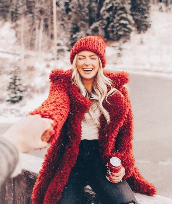 Your Love Horoscope For The Upcoming Holiday Season