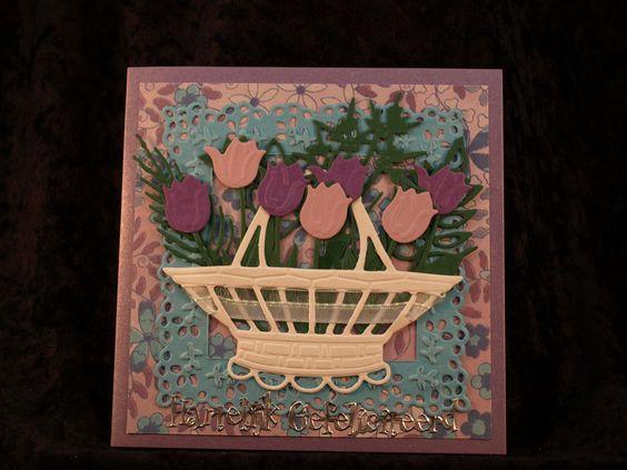 81 mandje paarse tulpen