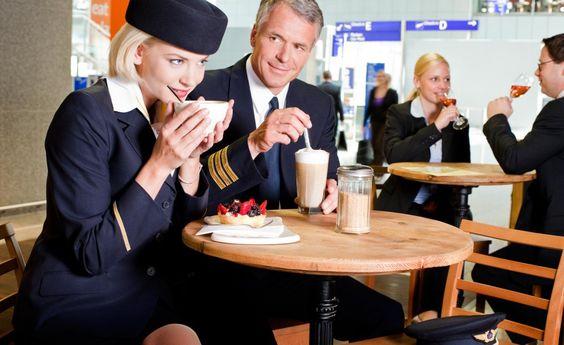 I 15 trucchi per convivere con un'assistente di volo