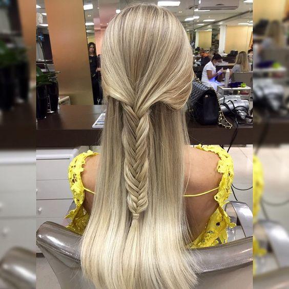 Mais loira e com esse penteado lindooo para o #PrêmioGeraçãoGlamour  minhas fadas @sarahairdesigner e @terezinhavigolo