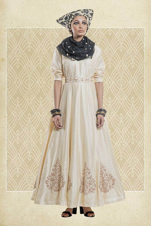 Fashion Designer Label In Kolkata Devika Churiwal Devika Churiwal Is A Budding Fashion Designer With Images Classic Dress Style Western Dresses For Women Western Dresses