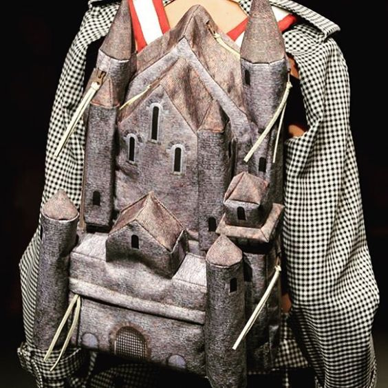 I hate backpacks since school and I never thought that one day I might actually want one  @undercover_lab from yesterday's show goes directly into my Spring wish list ❤️ it's awesome  #pfwss16