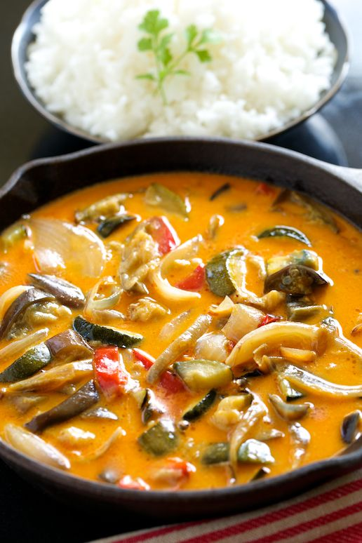Curries veggies and vegetarian recipes on pinterest for Asian cuisine indian and thai food page