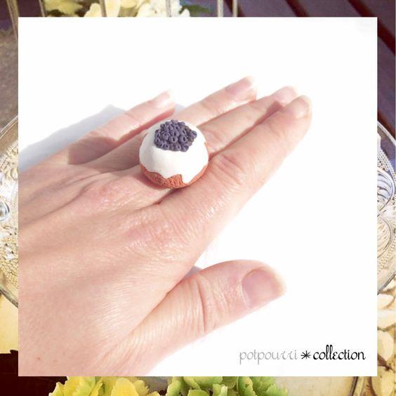 SPECIALE REGALI di NATALE • Anello Torta Mirtilli • Gioielli Handmade Fimo Fashion Jewelry Moda Accessori Artigianato Mercatini Natalizi di potpourridesignstore su Etsy