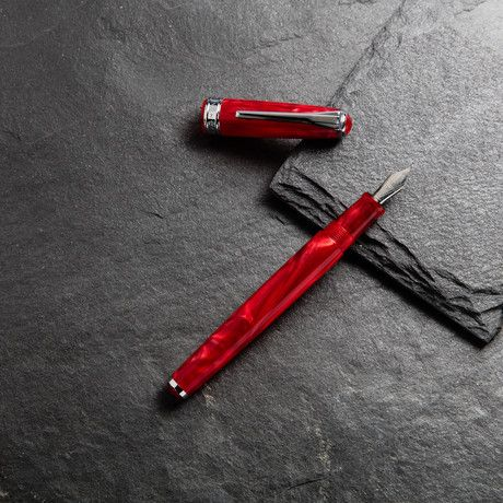 True Writer // Crimson // Fountain Pen (Fine Point)