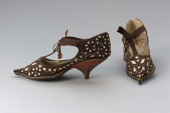 Pair of women's tie shoes, French, early 18th century. Museum of Fine Arts, Boston.
