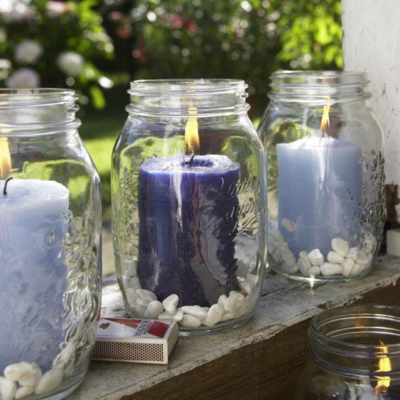 mason jars outdoor places and spaces decorate your garden blau wei e sommer deko f r den. Black Bedroom Furniture Sets. Home Design Ideas