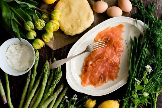 Food: Tarte mit grünem Spargel und Räucherlachs - Rezept auf moodforstyle.de