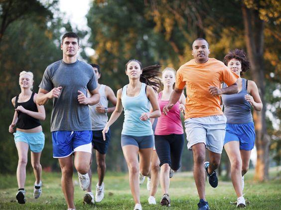 Endlich startet die Jogging-Saison. Beim Lauf-Training lauern aber auch Fehler. EAT SMARTER verrät, wie Sie die 10 größten Jogging-Sünden vermeiden.