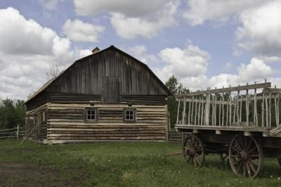 Vintage Barn & Wagon