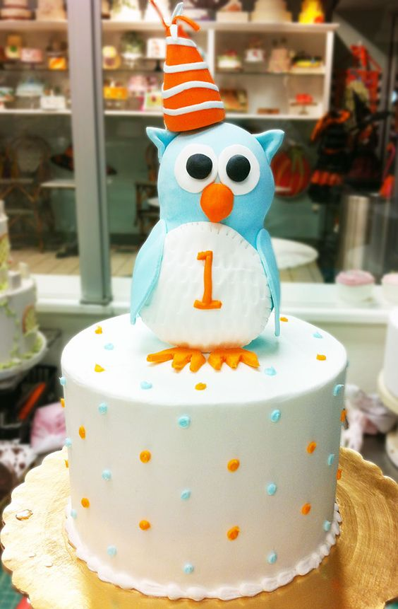 An owl cake for a first birthday! Cake # 106.