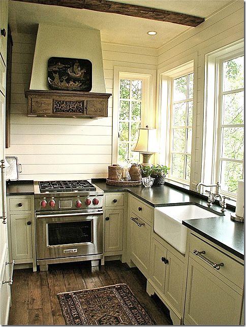 Small cottage kitchen in North Carolina via COTE DE TEXAS