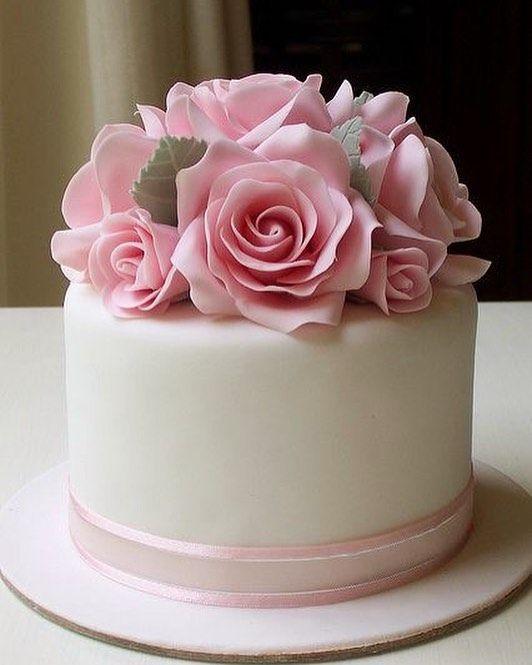 Bestellen Sie Leckere Hausgemachte Torte Zu Einem Unschlagbaren Preis Naazgol Naazgol Frankfurt Torte Geb Rosentorte Geburtstagstorte Kuchen Dekorieren