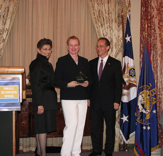 In 2007, Jody received the SBA's national Journalist of the Year award at the State Department in Washington, DC, and attended briefings at the U.S. Small Business Administration's offices.