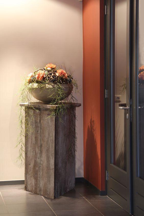 Houten zuil met decoratie for Houten schijven decoratie