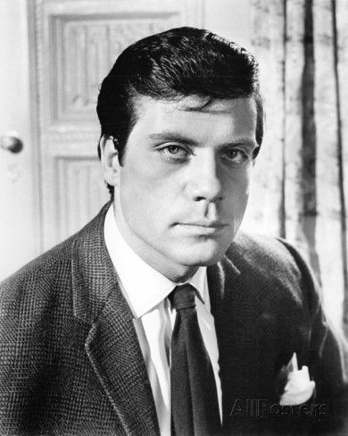 Robert Oliver Reed (13 February 1938 – 2 May 1999) was an English actor. Description from imgarcade.com. I searched for this on bing.com/images