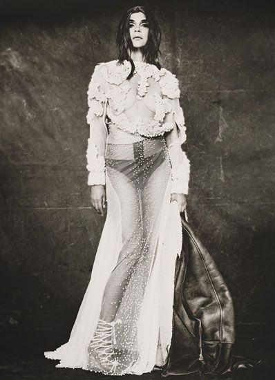 Givenchy.... I can't. So insanely good.