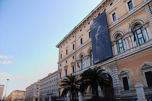 Palazzo Massimo e gli altri palazzi su Piazza dei Cinquecento (Stazione Termini) Roma  #TuscanyAgriturismoGiratola