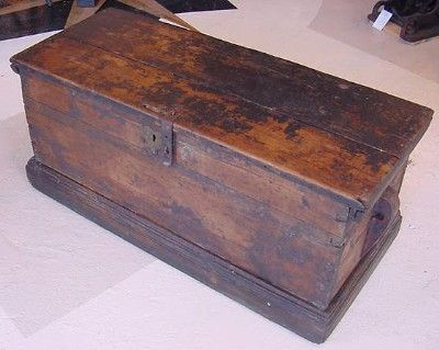 19th Century Paint Decorated American Seaman's Chest Price: $2,795.00 Early  to mid 19th century paint decorated Seaman's chest; American; probably… - 19th Century Paint Decorated American Seaman's Chest Price