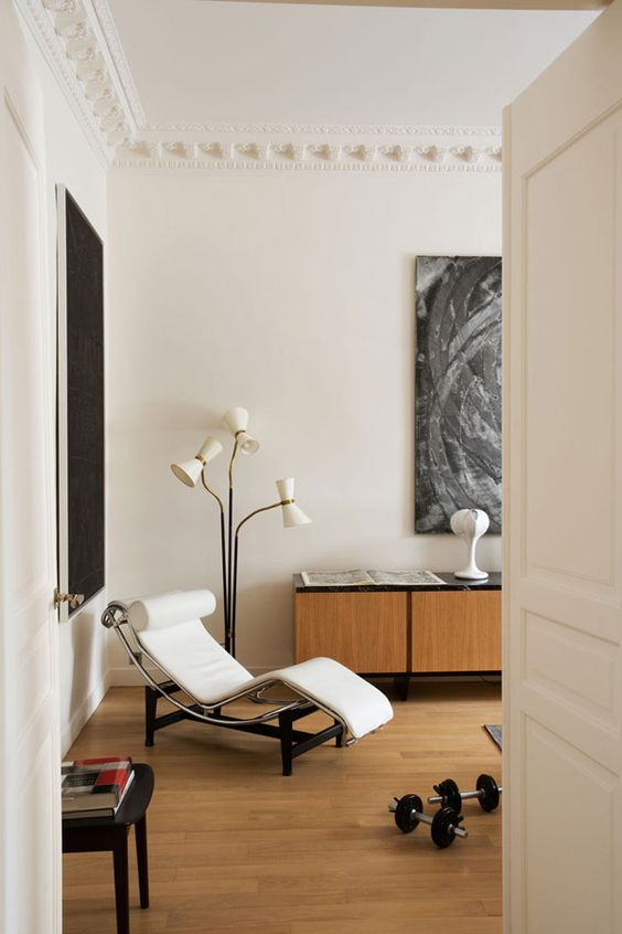 The coolest apartments are always in Paris. This one is by Monaco interior architect team Humbe...