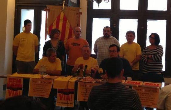 La cadena humana de Vinaròs también reivindica el derecho a decidir de los valencianos Un plataforma convoca una caravana de vehículos para «responder al independentismo catalán»