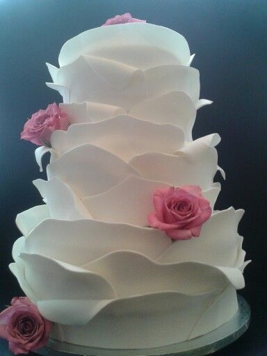 Petal Cake Auckland $850 100 coffee serves free delivery and setup Akl Petal wedding cake Auckland