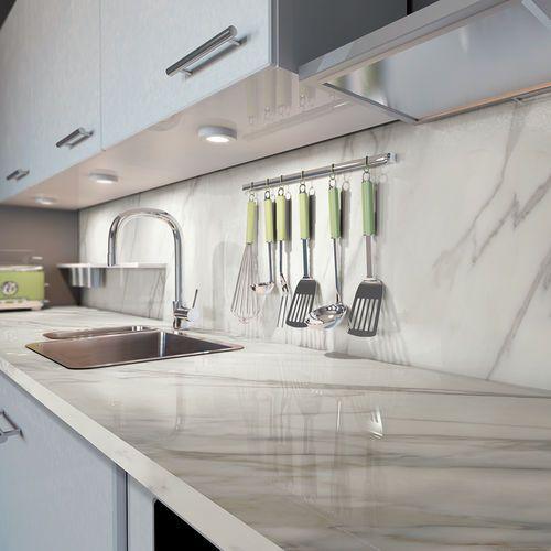 Encimera De Gres Porcelanico Para Cocina Blanca Diseno De Cocina Moderna Cocina Porcelanato Mobiliario De Cocina