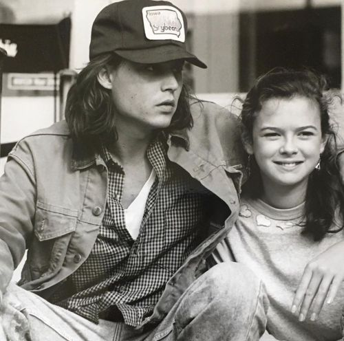 Johnny Depp And Mary Kate Schellhardt In What S Beautifulcinephile Johnny Depp Johnny Mary Kate Mary kate schellhardt is an american actress. johnny depp and mary kate schellhardt