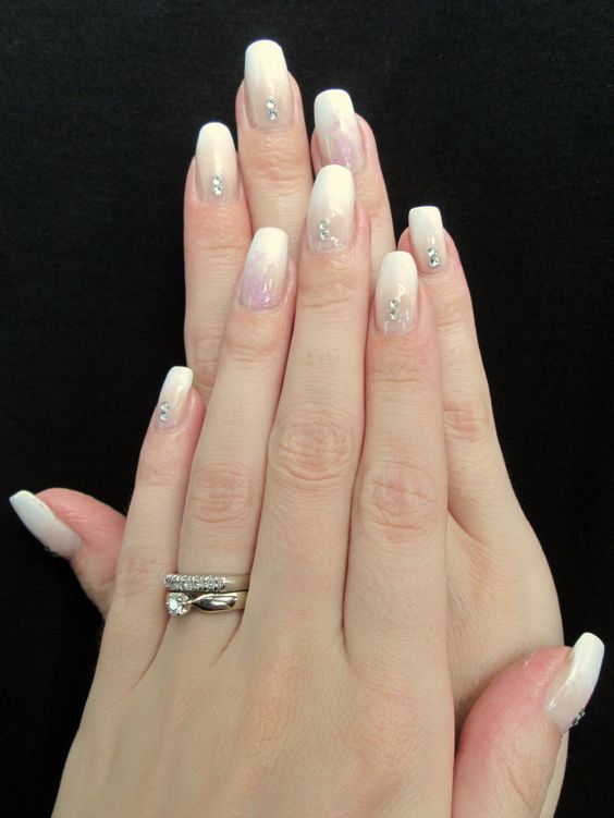 Gradient French Manicure: Baby Boomer Nails Gradient French Manicure