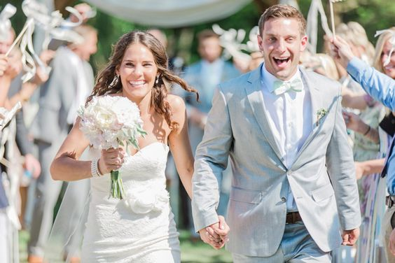 How to write your wedding vows. It's about the promise not the pictures. #beating50percent marriage blog www.beating50percent.com