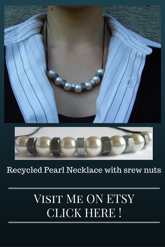 Recycled Pearl Necklace, handmade from MyTrashJewelry.   Visit me here: https://www.etsy.com/de/shop/MyTrashJewelry