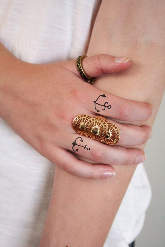 Tatouages temporaires petite ancre. Tatouage de doigt d'ancrage (4 pièces)