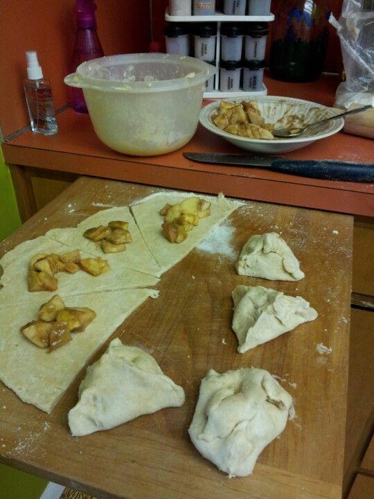 pie pockets! Cooked in non stick sandwich press 5 min. Ingred = 1 pie ...