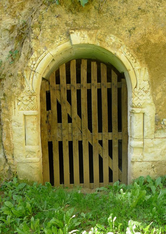 Troo - Porte de cave