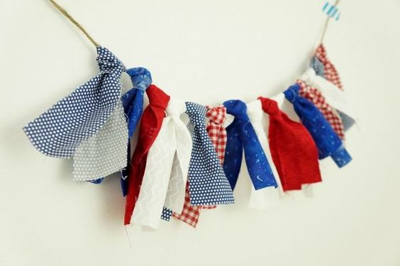 Make your own patriotic fabric garland. Really simple DIY idea for summer decorating or 4th of July!
