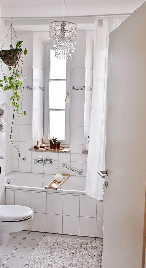 B A D E Z I M M E R M A K E O V E R Runde Badezimmerspiegel Neues Badezimmer Klebefolie Fliesen