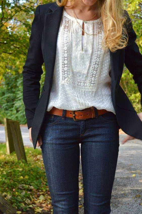 Style into Action: Offspring's Nina Proudman style: How not to kill your figure with that lace top.