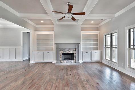 House Plan 6082 00006 Craftsman Plan 3 061 Square Feet 3 Bedrooms 3 5 Bathrooms Craftsman House House Plans New Homes