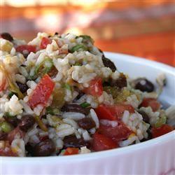 Salada de feijão preto e arroz integral @ allrecipes.com.br