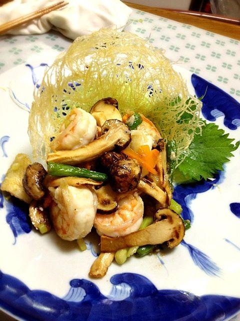 大海老と平目を松茸入れて、塩味でいためました。ジャガイモの籠にいれてあります。 - 102件のもぐもぐ - 2種海鮮と松茸の籠盛り塩味炒め by dodonsan