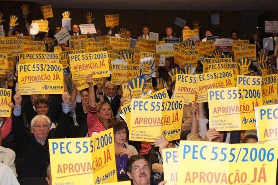Audiência exige votação da PEC 555 e sobram críticas para a liderança do PT na Câmara