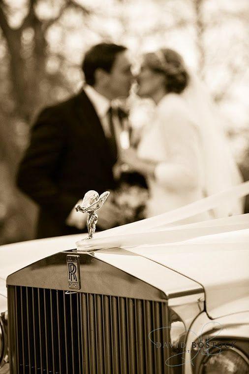 autumn wedding kiss