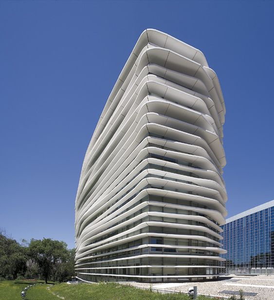 Jer nimo junquera liliana obal arquitectos edificio de for Edificios oficinas madrid