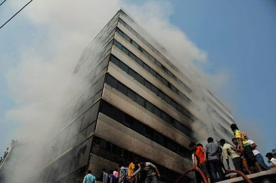 Incendio en fábrica de Bangladesh deja al menos 8 heridos