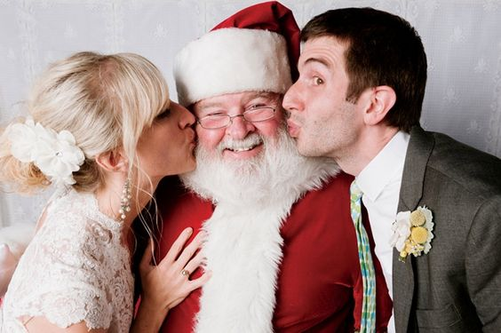 These newlyweds invited Santa to their wedding! You gotta read this story.