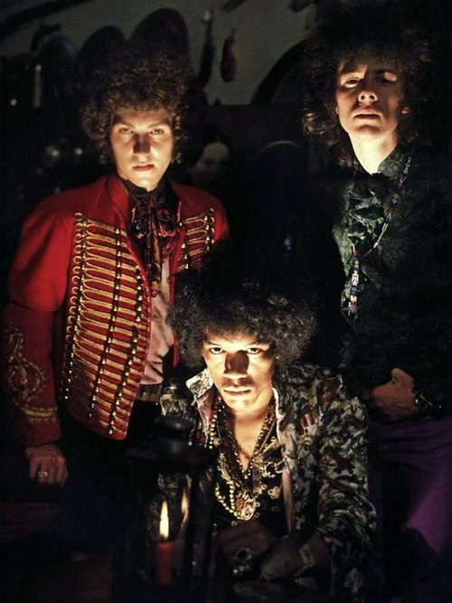 The Jimi Hendrix Experience in New York, 1967. Photo by Jerry Schatzberg  https://t.co/PPOrnk0Q98