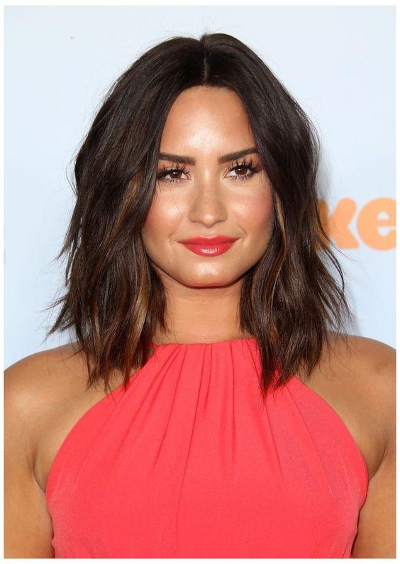 2021 Medium Layered Haircut: Thick Hair Round Face Cut