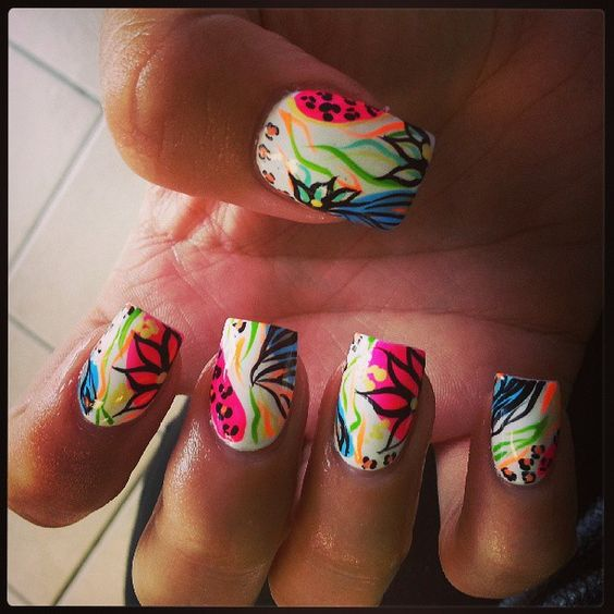 reda_l's nails! Show us your tips—tag your nail photos with #SephoraNailspotting to be featured on our social sites!