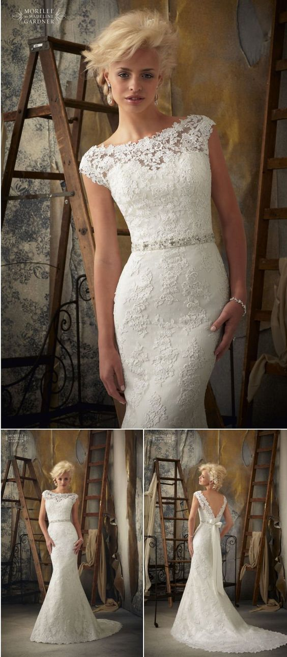 Absolutely stunning wedding dress. Lovely lace and amazing back.