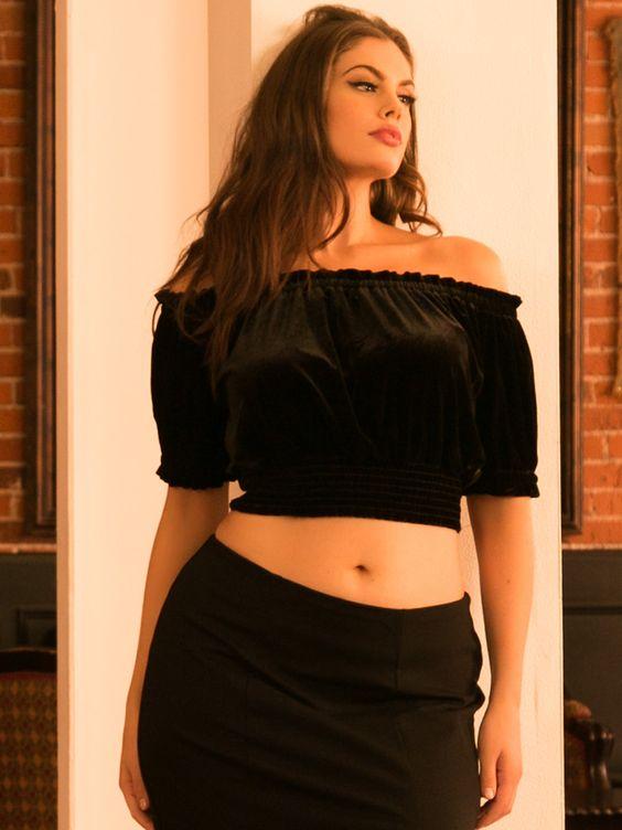 Plus Size Stretch Velvet Cropped Blouse, Black